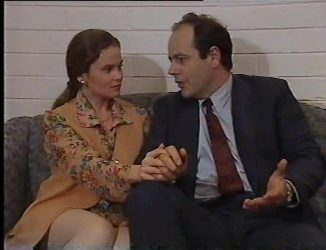 Julie Robinson, Philip Martin in Neighbours Episode 2197