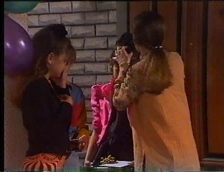 Hannah Martin, Miranda Starvaggi, Julie Robinson in Neighbours Episode 2197