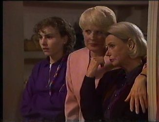 Debbie Martin, Rosemary Daniels, Helen Daniels in Neighbours Episode 2197
