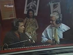 Mark Gottlieb, Ling-Mai Chan, Lou Carpenter in Neighbours Episode 2298