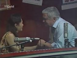 Ling-Mai Chan, Lou Carpenter in Neighbours Episode 2298