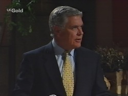 Lou Carpenter in Neighbours Episode 2298