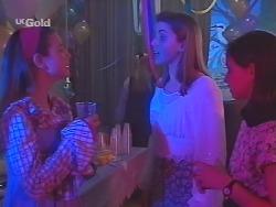 Hannah Martin, Nicole Cahill, Miranda Starvaggi in Neighbours Episode 2298
