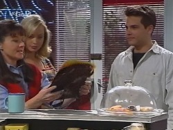 Susan Kennedy, Annalise Hartman, Mark Gottlieb in Neighbours Episode 2299