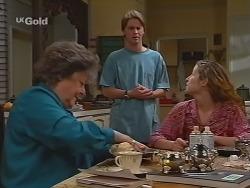 Marlene Kratz, Brett Stark, Bianca Zanotti in Neighbours Episode 2301