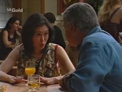 Ling-Mai Chan, Lou Carpenter in Neighbours Episode 2303