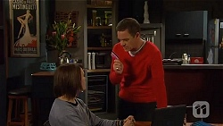 Sophie Ramsay, Paul Robinson in Neighbours Episode 6471