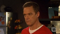 Paul Robinson in Neighbours Episode 6471