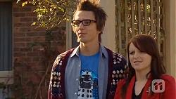 Ed Lee, Summer Hoyland in Neighbours Episode 6471