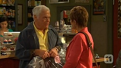 Lou Carpenter, Susan Kennedy in Neighbours Episode 6475