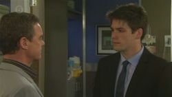 Paul Robinson, Chris Pappas in Neighbours Episode 6476