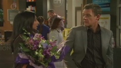 Priya Kapoor, Paul Robinson in Neighbours Episode 6476
