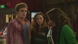 Kyle Canning, Jade Mitchell, Kate Ramsay in Neighbours Episode 6476