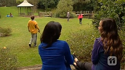Kyle Canning, Priya Kapoor, Callum Rebecchi, Rani Kapoor, Jade Mitchell in Neighbours Episode 6478