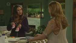 Jade Mitchell, Sonya Rebecchi in Neighbours Episode 6479