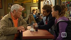 Lou Carpenter, Kyle Canning, Jade Mitchell in Neighbours Episode 6480
