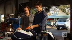 Lucas Fitzgerald, Chris Pappas in Neighbours Episode 6481