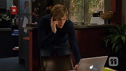 Andrew Robinson in Neighbours Episode 6483
