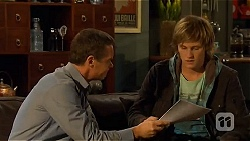 Paul Robinson, Andrew Robinson in Neighbours Episode 6484