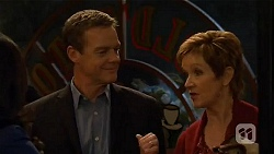 Paul Robinson, Susan Kennedy in Neighbours Episode 6485