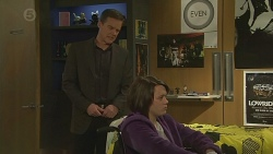 Paul Robinson, Sophie Ramsay in Neighbours Episode 6486