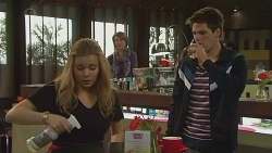 Natasha Williams, Chris Pappas in Neighbours Episode 6486