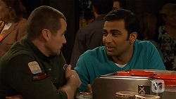 Toadie Rebecchi, Ajay Kapoor in Neighbours Episode 6488