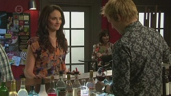 Margot Conway, Andrew Robinson in Neighbours Episode 6494