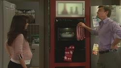 Vanessa Villante, Rhys Lawson in Neighbours Episode 6494