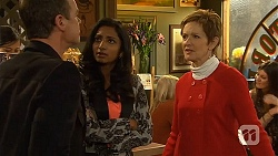 Paul Robinson, Priya Kapoor, Susan Kennedy in Neighbours Episode 6496