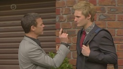 Paul Robinson, Andrew Robinson in Neighbours Episode 6497