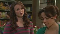 Kate Ramsay, Vanessa Villante in Neighbours Episode 6499