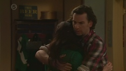 Vanessa Villante, Lucas Fitzgerald in Neighbours Episode 6499