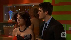Summer Hoyland, Chris Pappas in Neighbours Episode 6501