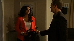 Priya Kapoor, Paul Robinson in Neighbours Episode 6503