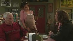 Lou Carpenter, Vanessa Villante, Lucas Fitzgerald in Neighbours Episode 6504