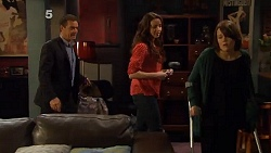 Paul Robinson, Kate Ramsay, Sophie Ramsay in Neighbours Episode 6505