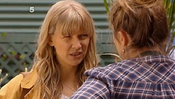 Georgia Brooks, Sonya Mitchell in Neighbours Episode 6505