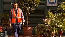 Delivery Guy in Neighbours Episode 6505