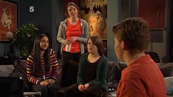 Rani Kapoor, Kate Ramsay, Sophie Ramsay, Callum Jones in Neighbours Episode 6505
