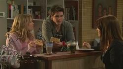Natasha Williams, Chris Pappas, Summer Hoyland in Neighbours Episode 6506