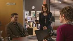 Bradley Fox, Summer Hoyland, Susan Kennedy in Neighbours Episode 6508