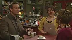 Bradley Fox, Vanessa Villante, Susan Kennedy in Neighbours Episode 6508