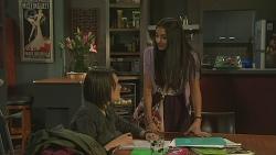 Sophie Ramsay, Rani Kapoor in Neighbours Episode 6509