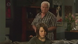 Sophie Ramsay, Lou Carpenter in Neighbours Episode 6509