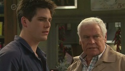 Chris Pappas, Lou Carpenter in Neighbours Episode 6510