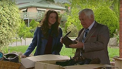 Kate Ramsay, Lou Carpenter in Neighbours Episode 6511