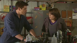 Chris Pappas, Sophie Ramsay in Neighbours Episode 6511