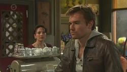 Vanessa Villante, Rhys Lawson in Neighbours Episode 6512