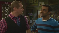 Toadie Rebecchi, Ajay Kapoor in Neighbours Episode 6513